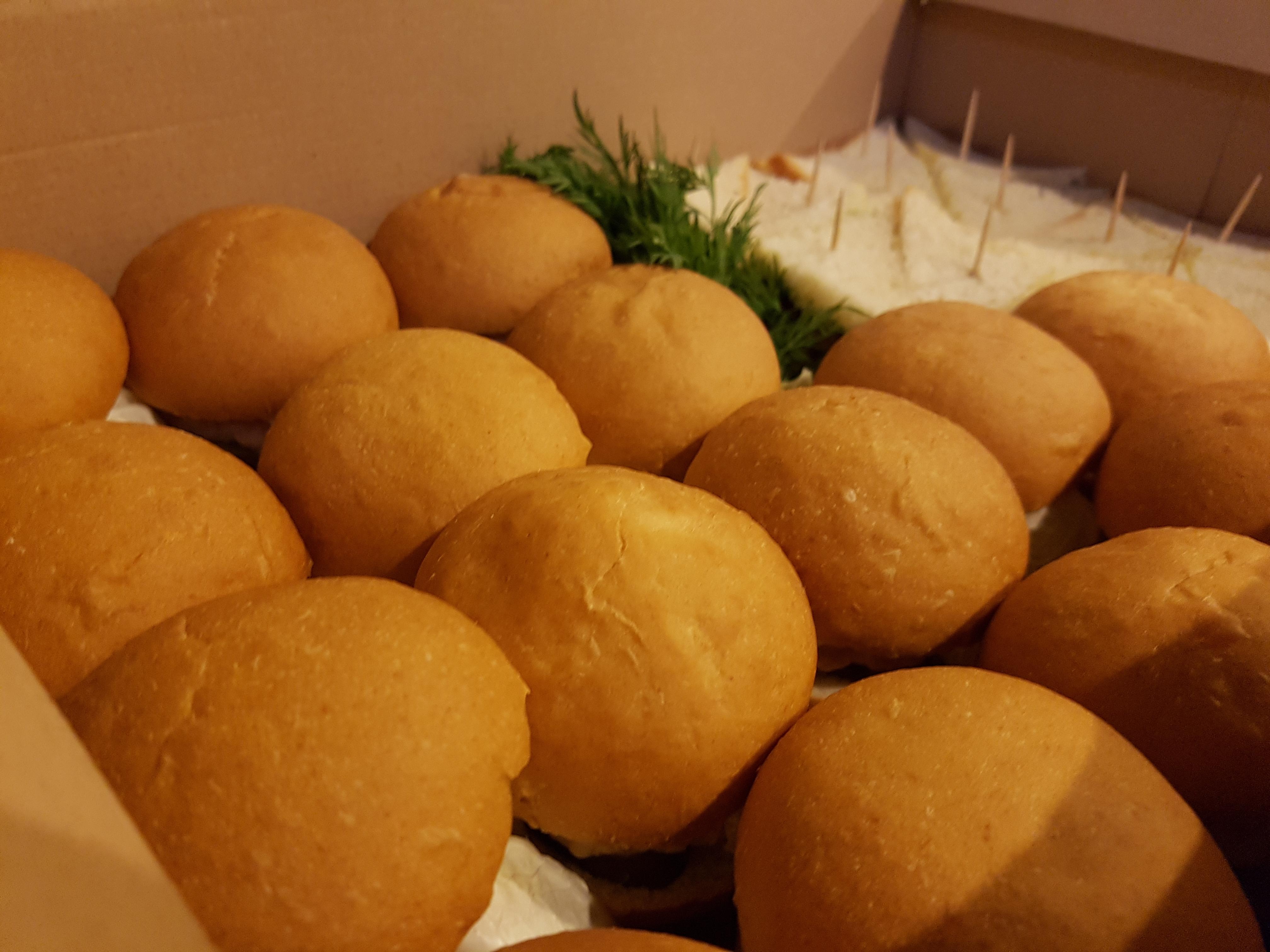 доставка сет наборов с едой по Киеву